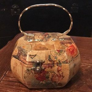 Vintage lacquered wooden purse